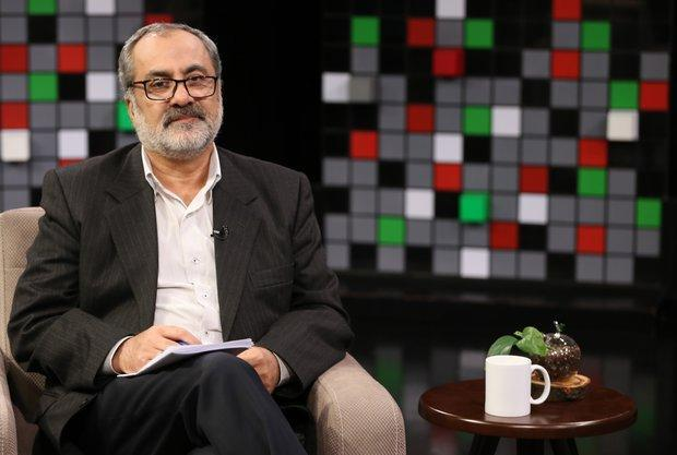 عماد فروغ کتابخانه خود را به خانه مهر رضا (ع) اهدا کرد