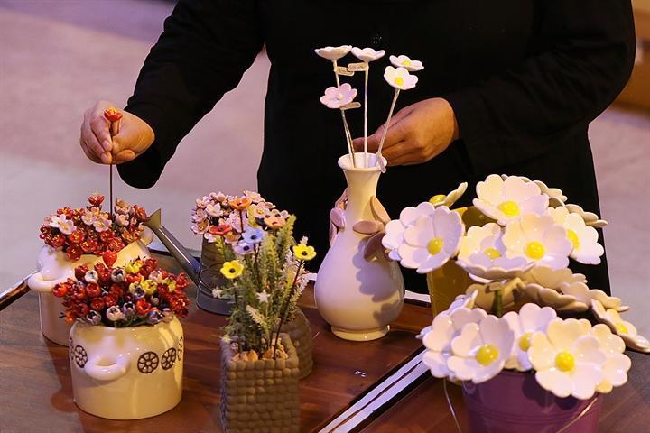 نمایشگاه سفال و سرامیک در سازمان میراث فرهنگی