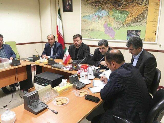 بروکراسی دست و پاگیر اداری صنایع و تولیدکنندگان را با مسائل زیادی روبرو نموده است